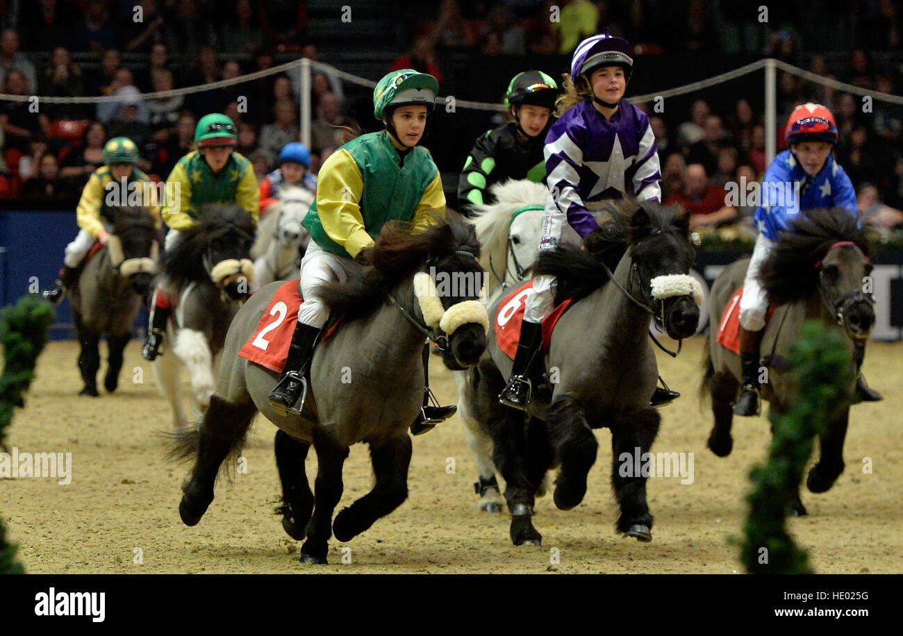 Londra, Regno Unito. 15 Dic, 2016. Olympia London International Horse Show presso il Grand Hall Olympia di Londra, Immagini Stock