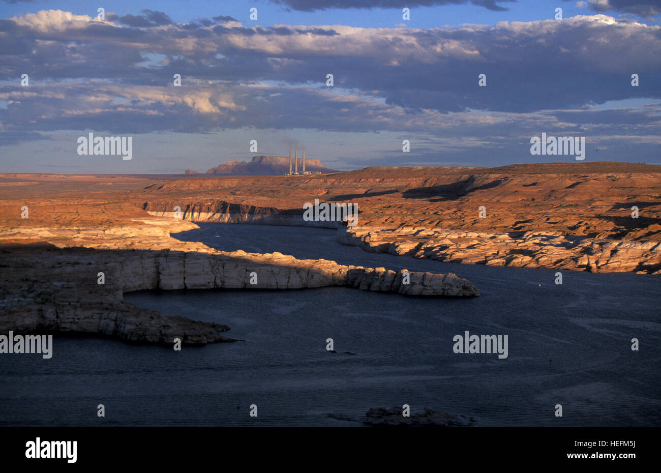 Il Lake Powell e Glen Canyon National Recreation Area al tramonto Immagini Stock