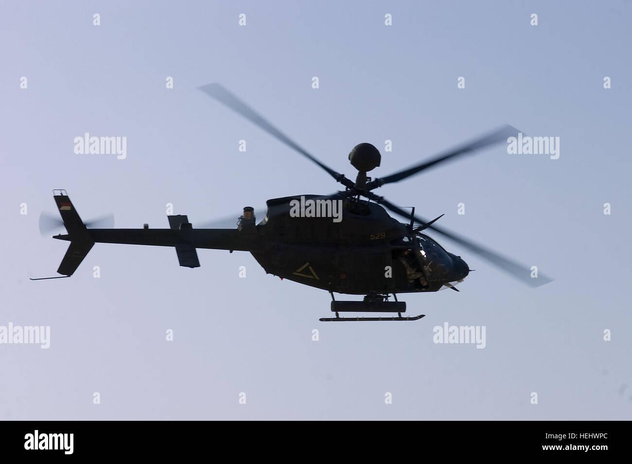 Elicottero Quarto : Un u s oh kiowa warrior elicottero fornisce la sicurezza come