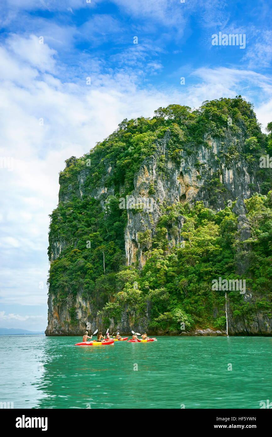 Kayak a Ko Talabeng Isola, Provincia di Krabi, Thailandia Foto Stock