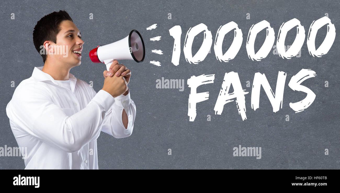 100000 tifosi piace centinaia di migliaia di social networking media giovane uomo megafono bullhorn Immagini Stock