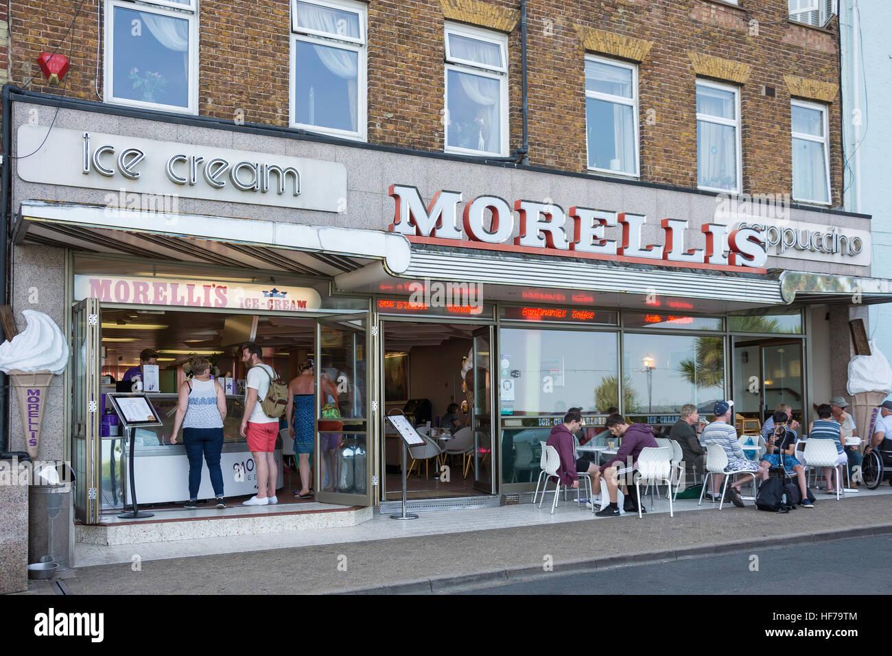 Morelli's Cafè Cappuccino, Victoria Parade, Broadstairs, isola di Thanet, Kent, England, Regno Unito Immagini Stock