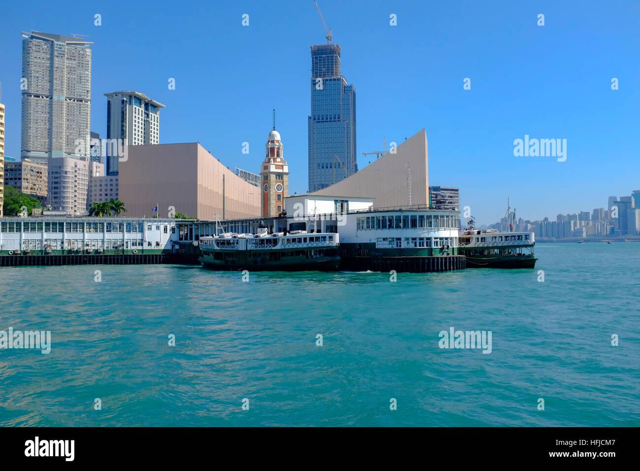 Skyline di Hong Kong e del porto Immagini Stock