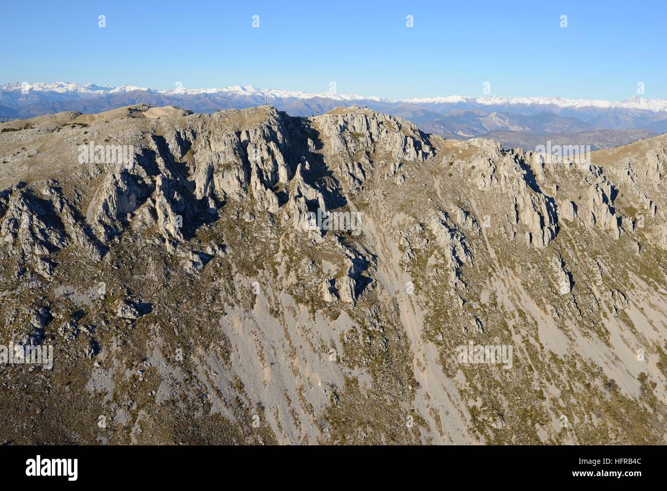 Faccia SUD DELLE CIME DU CHEIRON (vista aerea). Gréolières Les Neiges, la località sciistica più Immagini Stock
