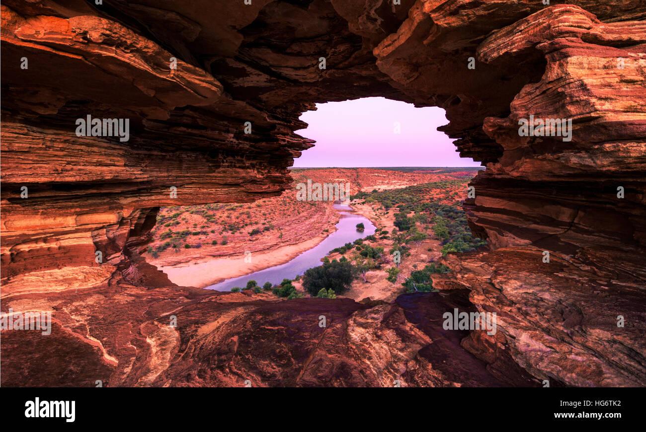 La natura della finestra Lookout e il fiume Murchison al tramonto. Kalbarri National Park, WA Immagini Stock