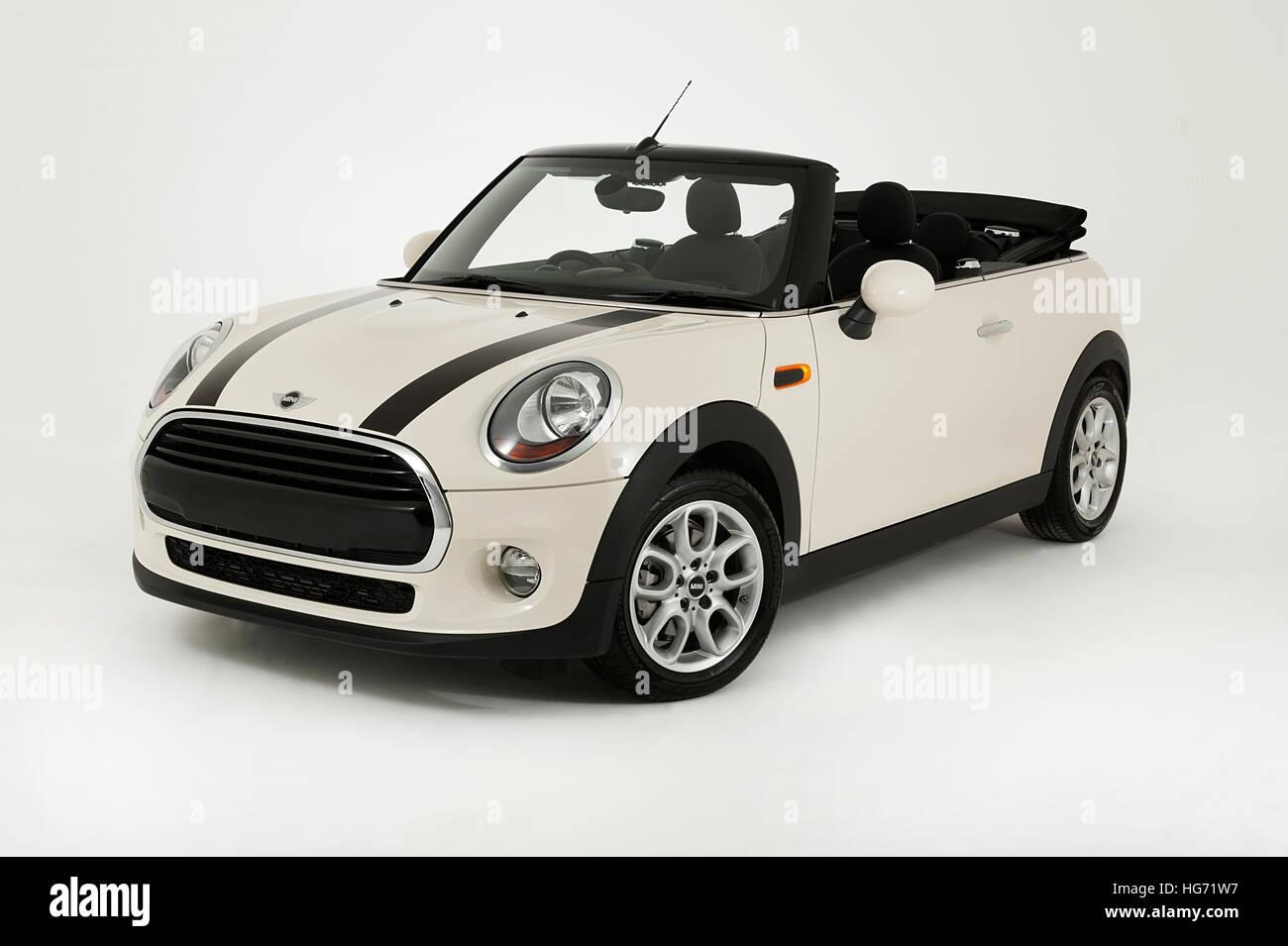 2017 Mini Cooper CABRIOLET Immagini Stock