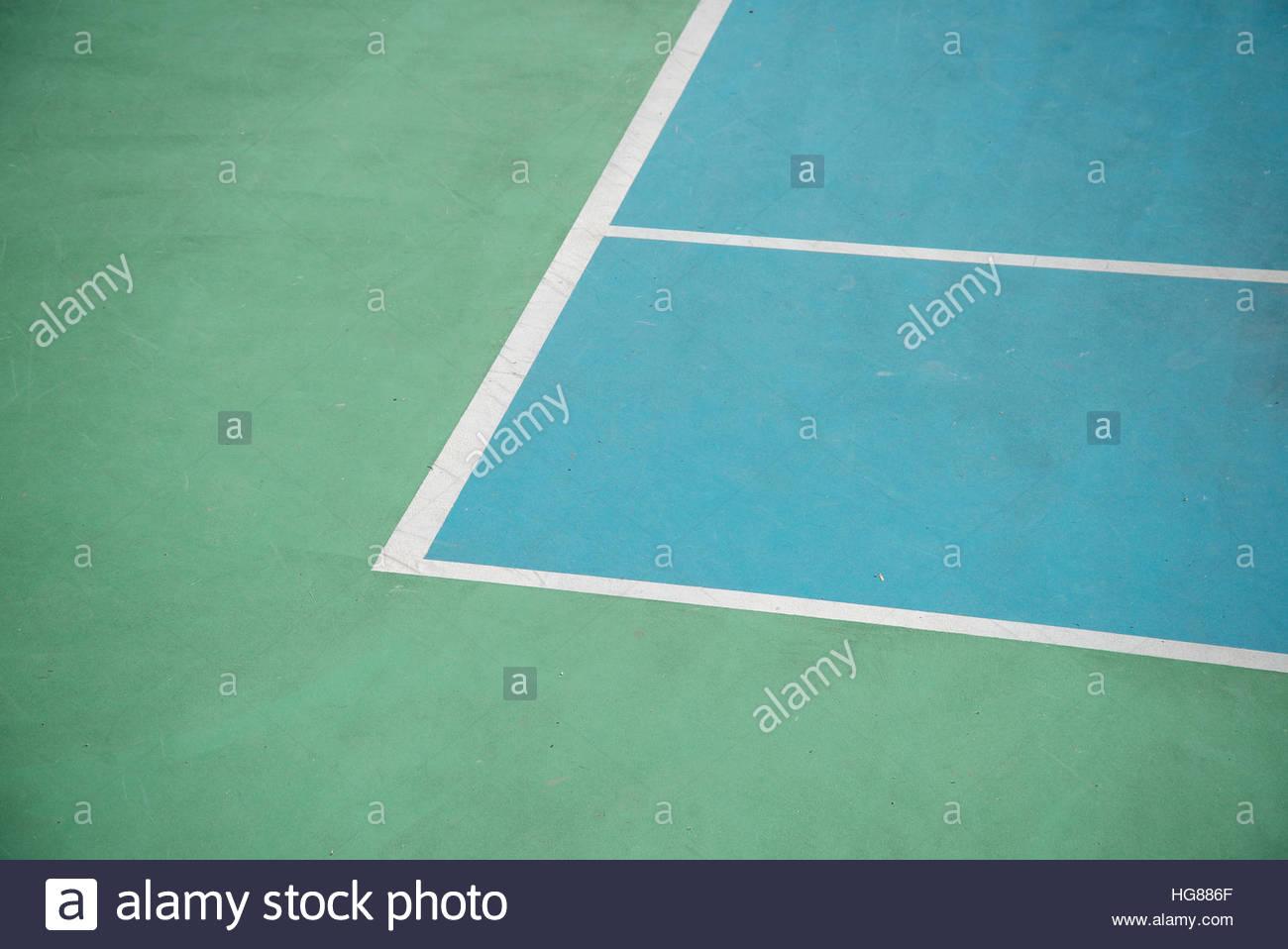 Elevato angolo di visualizzazione angolo di marcatura nel campo da tennis Foto Stock