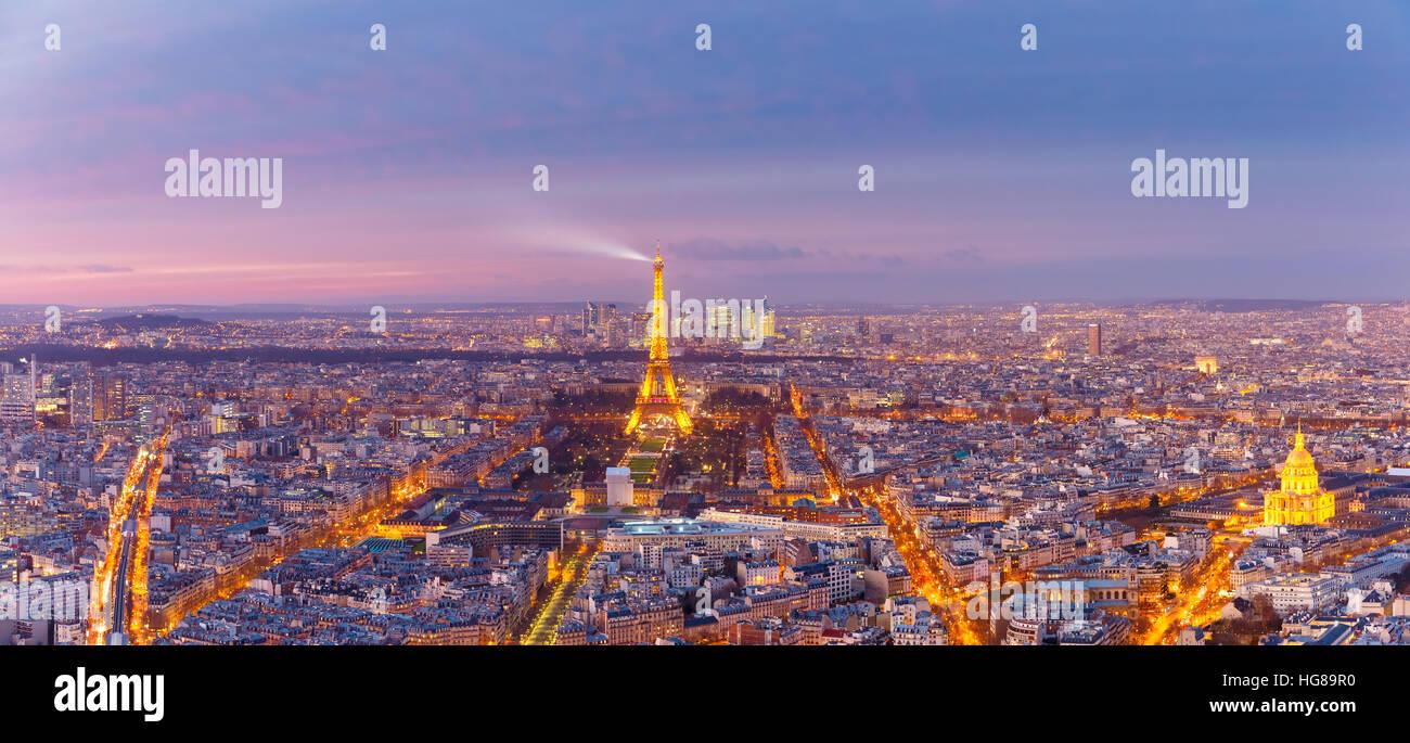 Antenna vista notturna di Parigi, Francia Immagini Stock