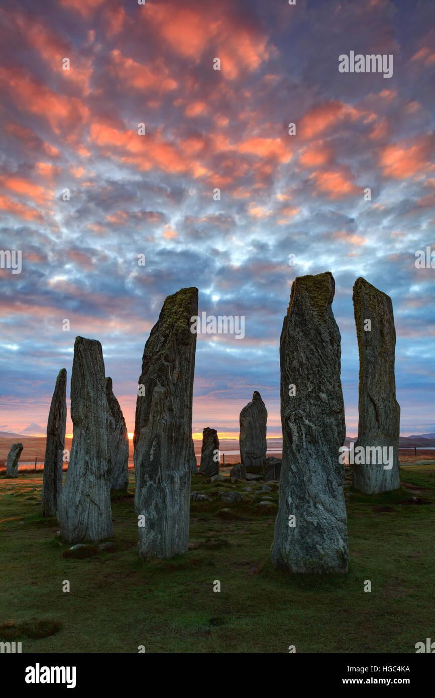 Tramonto a Callanish (Calanais) cerchi di pietre dell'isola di Lewis nelle Ebridi Esterne. Immagini Stock