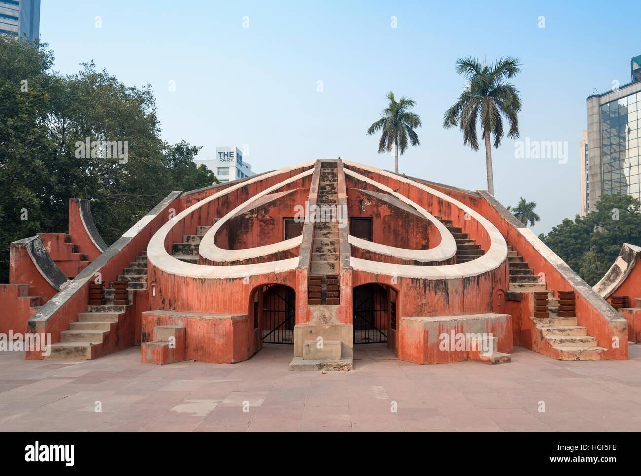 Strumento astronomico Misra Yantra, Jantar Mantar observatory, New Delhi, India Immagini Stock
