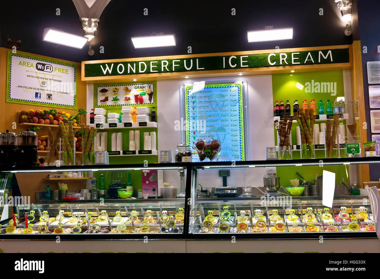 check out c09b8 6e77a Un gelato italiano shop a Roma. L'Italia, Europa Foto ...