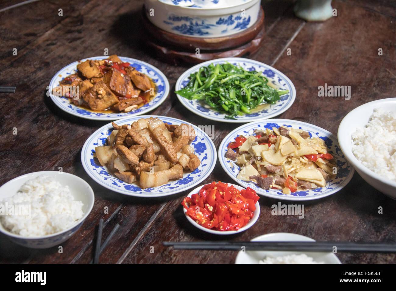 Cucina locale, Xidi, Cina Immagini Stock