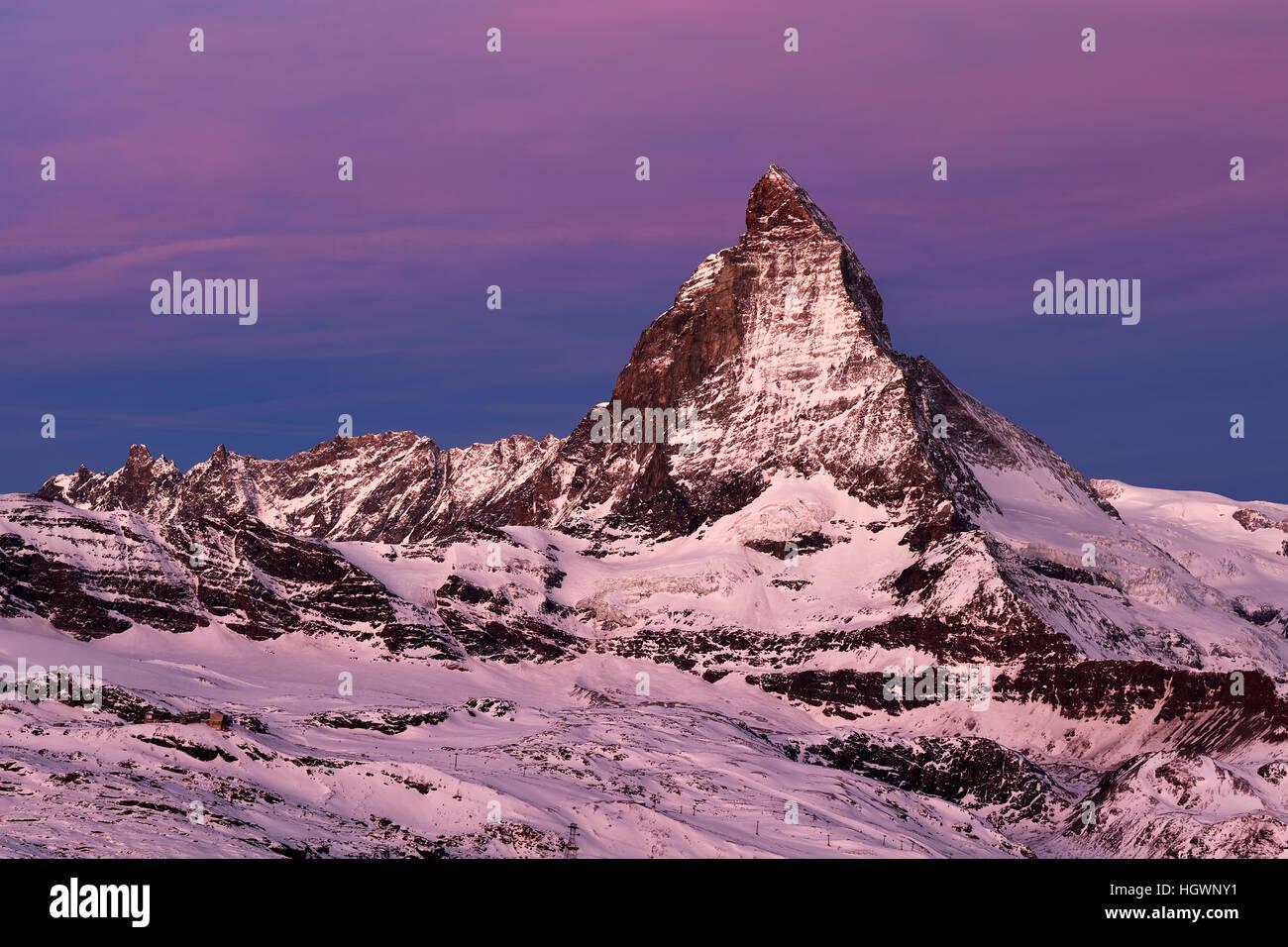 Cervino all'alba, Alpi del Vallese, Zermatt, Vallese, Svizzera Immagini Stock