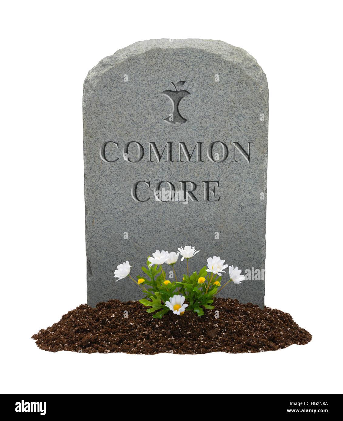 Pietra tombale con nucleo comune su di esso isolato su sfondo bianco. Immagini Stock
