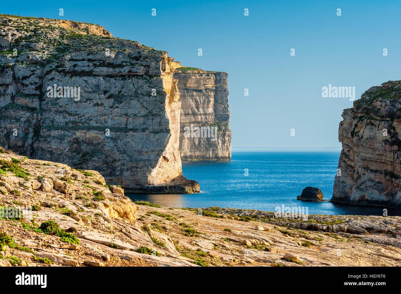Scogliere sulla costa occidentale di Gozo Malta Immagini Stock