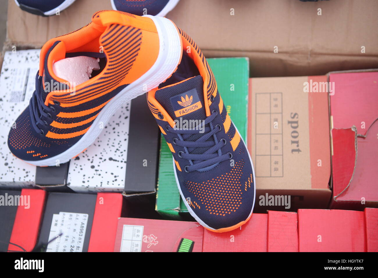 Amp; Stock Cpwwh6nq Fake Immagini Alamy Fotos Shoes hrCBoQsdxt