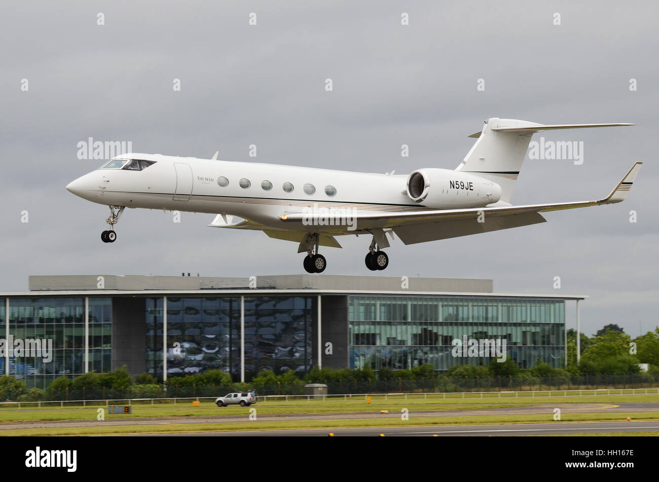 Gulfstream V (Modello GV, pronunciato Gee-5) è un long-range, grandi business jet. N59JE viene azionato mediante Immagini Stock