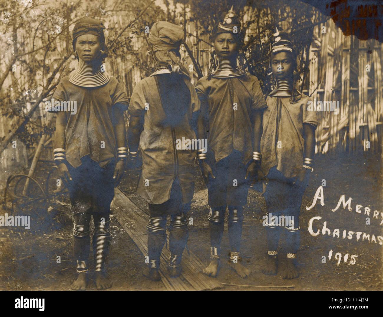 Quattro donne Kayan con collo in ottone e anelli di gamba, la Birmania. Immagini Stock