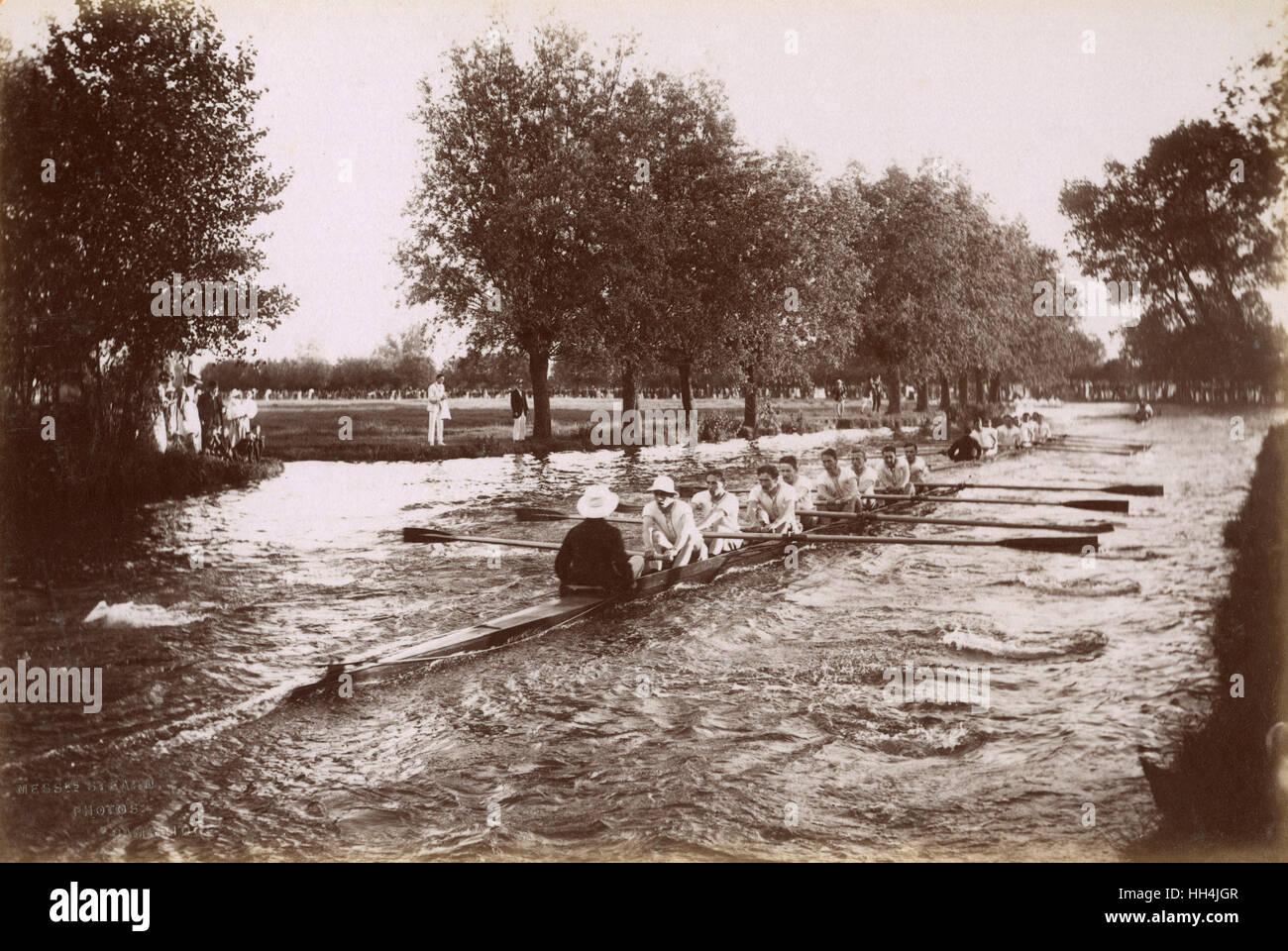 Un equipaggio di canottaggio sul fiume Cam. Immagini Stock