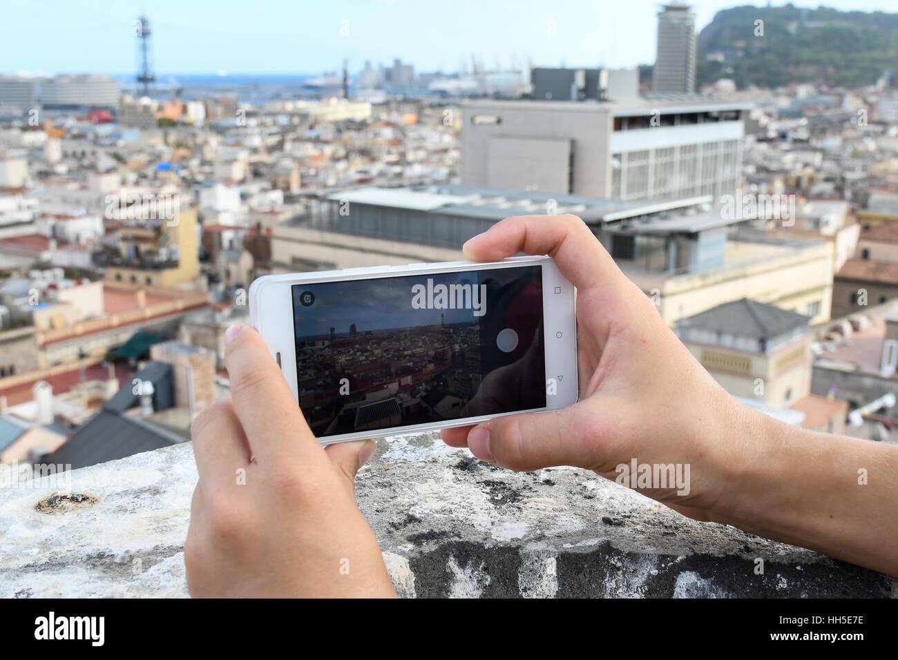 Prendendo uno scatto della città di Barcellona Immagini Stock