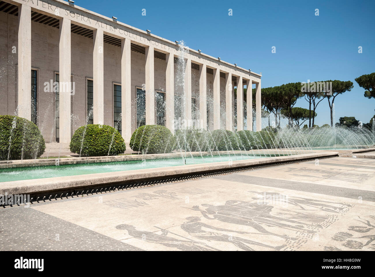 Roma l 39 italia eur palazzo degli uffici salone delle for Uffici eur roma