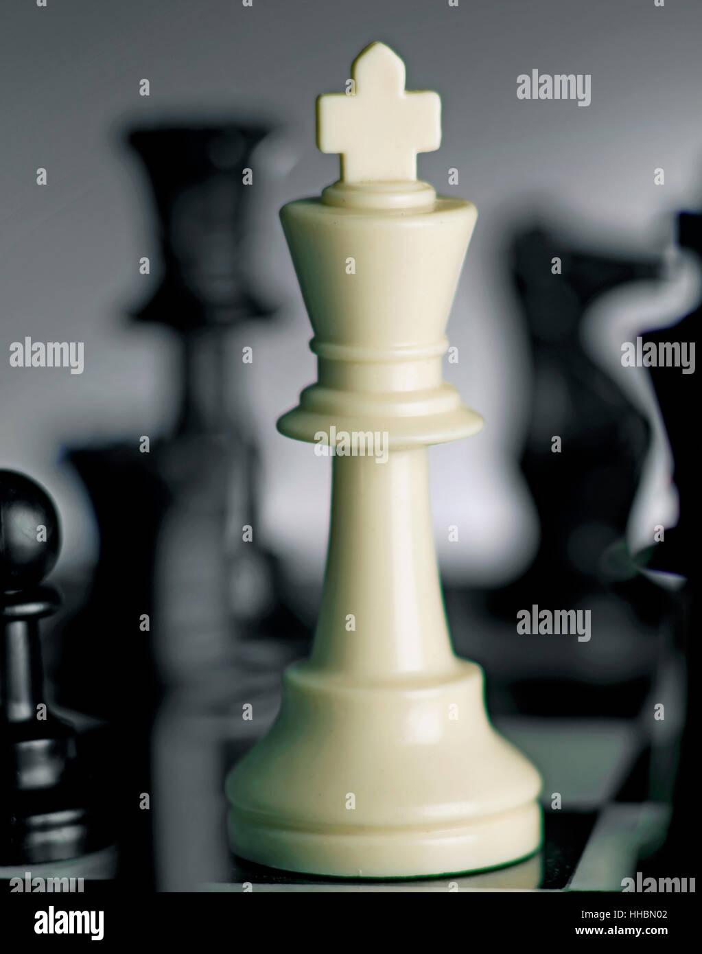 Re di scacchi a bordo hero Immagini Stock