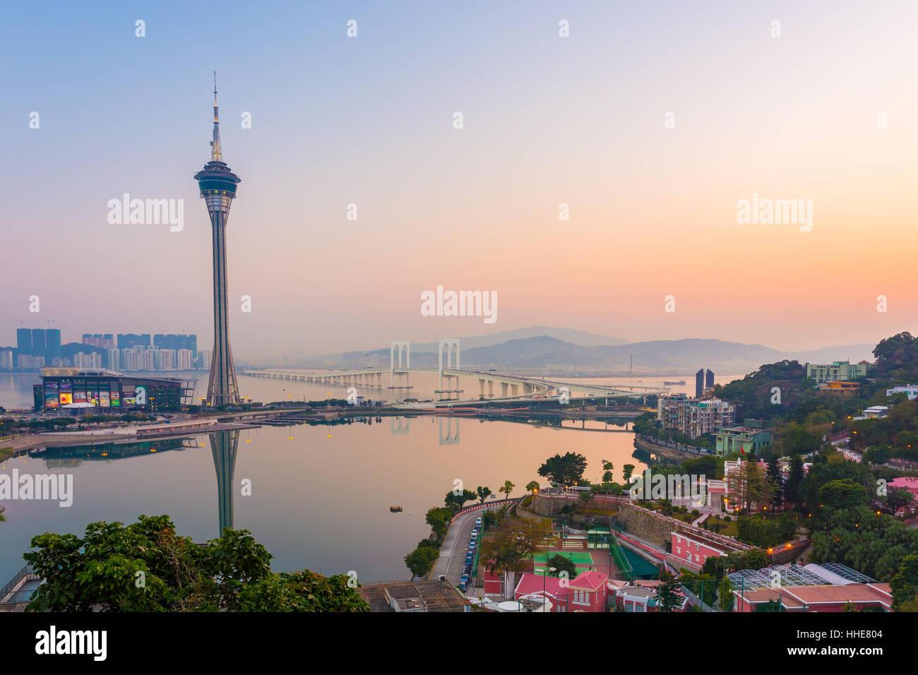 Vista della Torre di Macau e il sole al tramonto, Macau, Cina. Immagini Stock