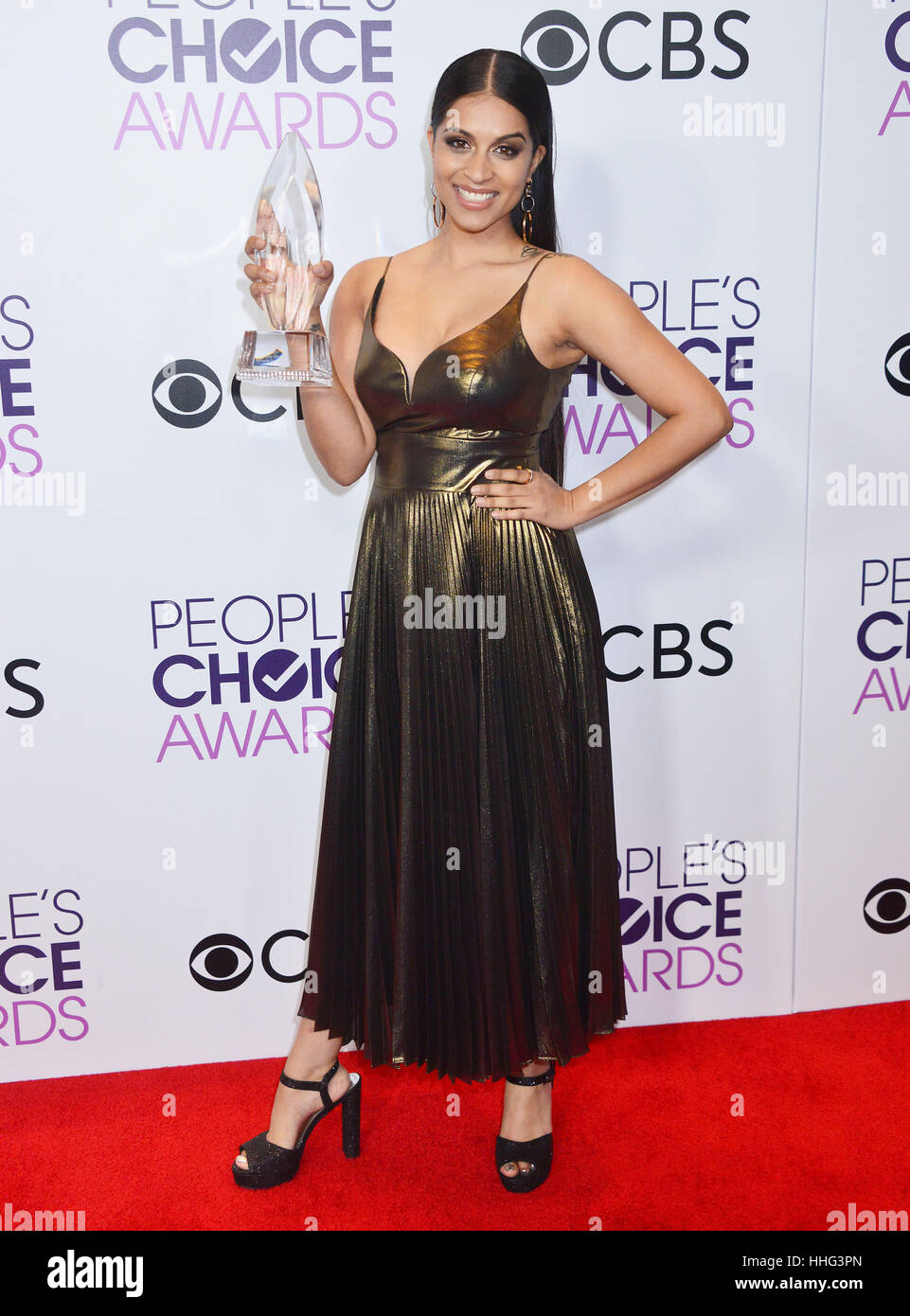 Lilly Singh 269 arrivando al People's Choice Awards 2017 presso il Microsoft Theatre di Los Angeles. Il 18 gennaio Foto Stock