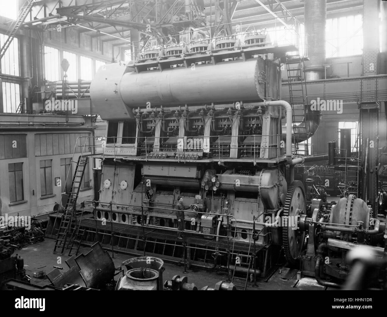 1930 - 40. Fiat - Ansaldo grande fabbrica di motori in Genova San Pier d'Arena, sanpierdarena. Immagini Stock
