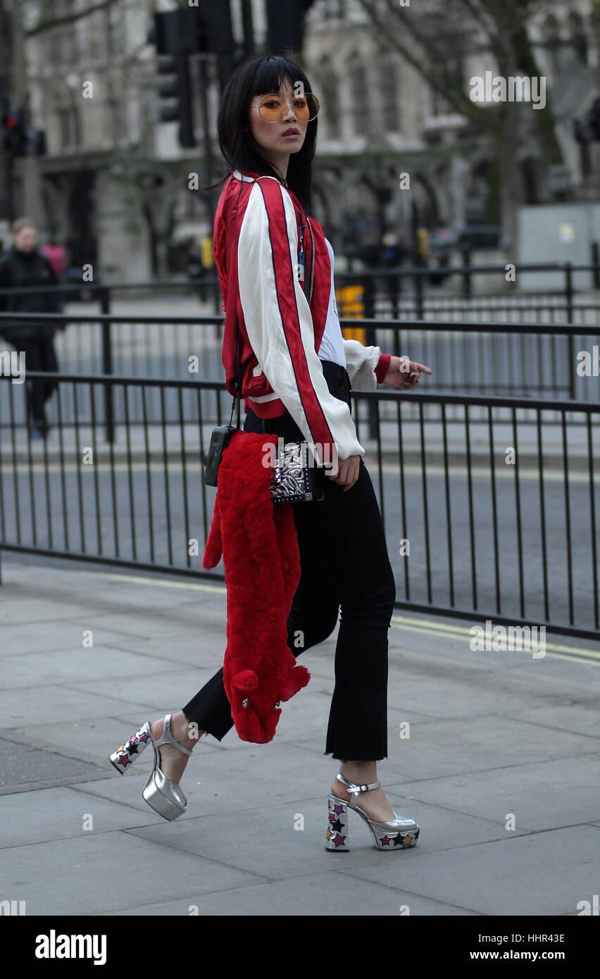 377258bca7bd Lo stile della strada dal primo giorno della settimana londinese della moda  uomo il 6 gennaio