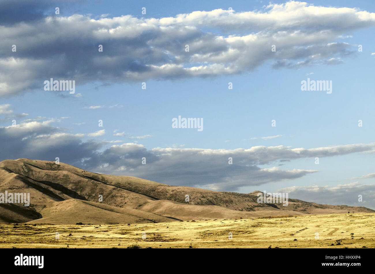Verarbeitung finden professioneller Verkauf 60% günstig Nuvole di pioggia incombente alla montagna Ara ler in ...