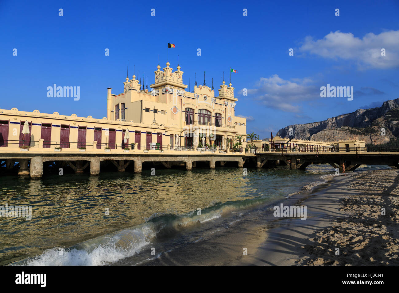 Antico Stabilimento Balneare, Mondello, Palermo, Sicilia, Italia, Europa Immagini Stock