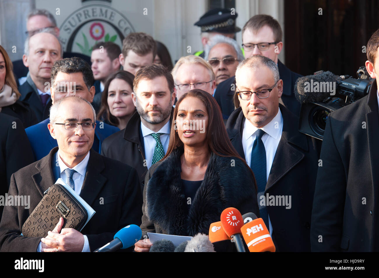 Londra, Regno Unito. 24 gennaio 2017.Gina Miller parlando dopo che la Corte Suprema ha respinto l'appello del governo Foto Stock