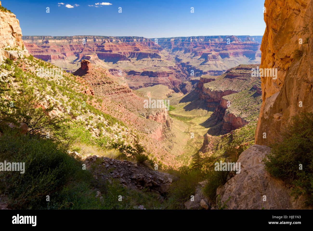Vista dal Bright Angel Trail, il Parco Nazionale del Grand Canyon, Arizona, Stati Uniti d'America Immagini Stock