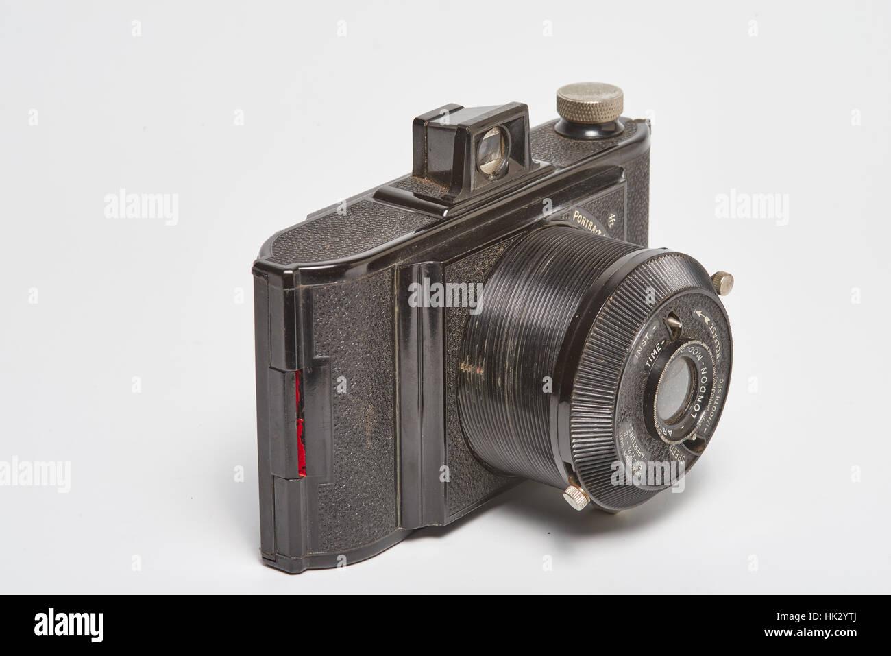 Il Arti-Six è un cittadino britannico di bachelite Mirino fotocamera realizzata intorno al 1950. Essa aveva Immagini Stock
