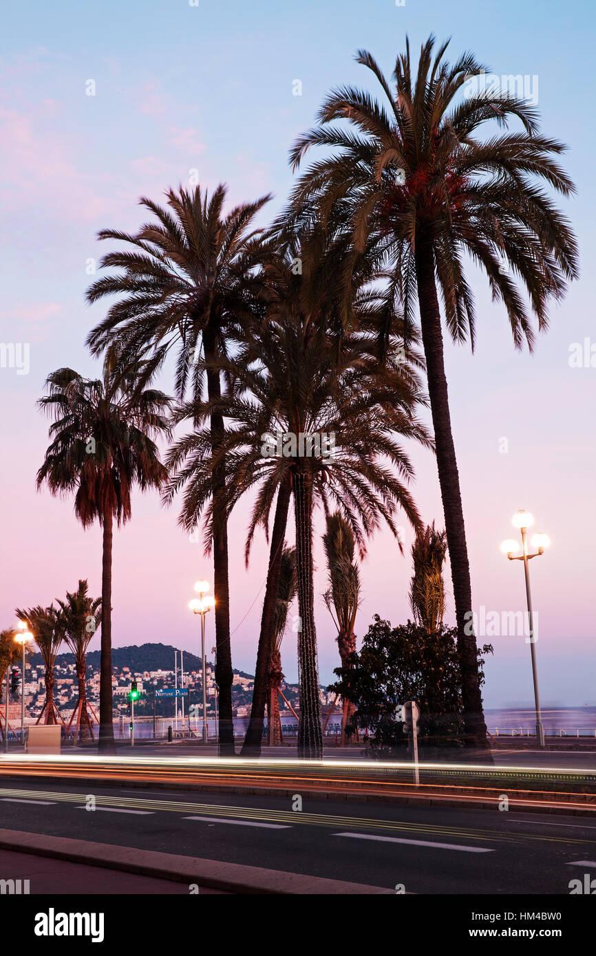 Promenade des Anglais, sera, Nizza Cote d'Azur, in Francia Immagini Stock