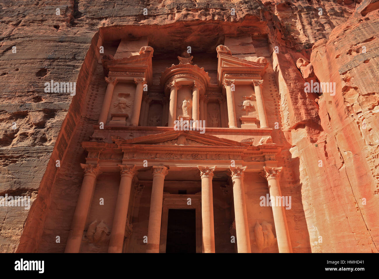 Il Khazne al-Firaun, Chaznat al-Firaun, Al-Khazneh, casa del tesoro del faraone, un mausoleo colpito dalla roccia, Immagini Stock