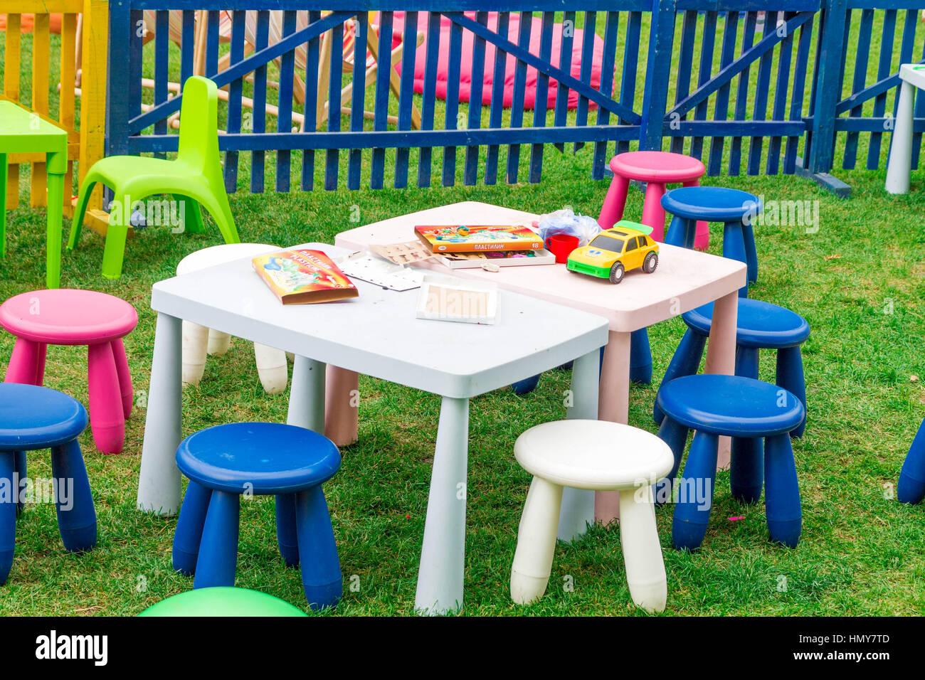 Mobili Per Giochi Bambini : Parco giochi con tavolo per bambini e sedie mobili per bambini