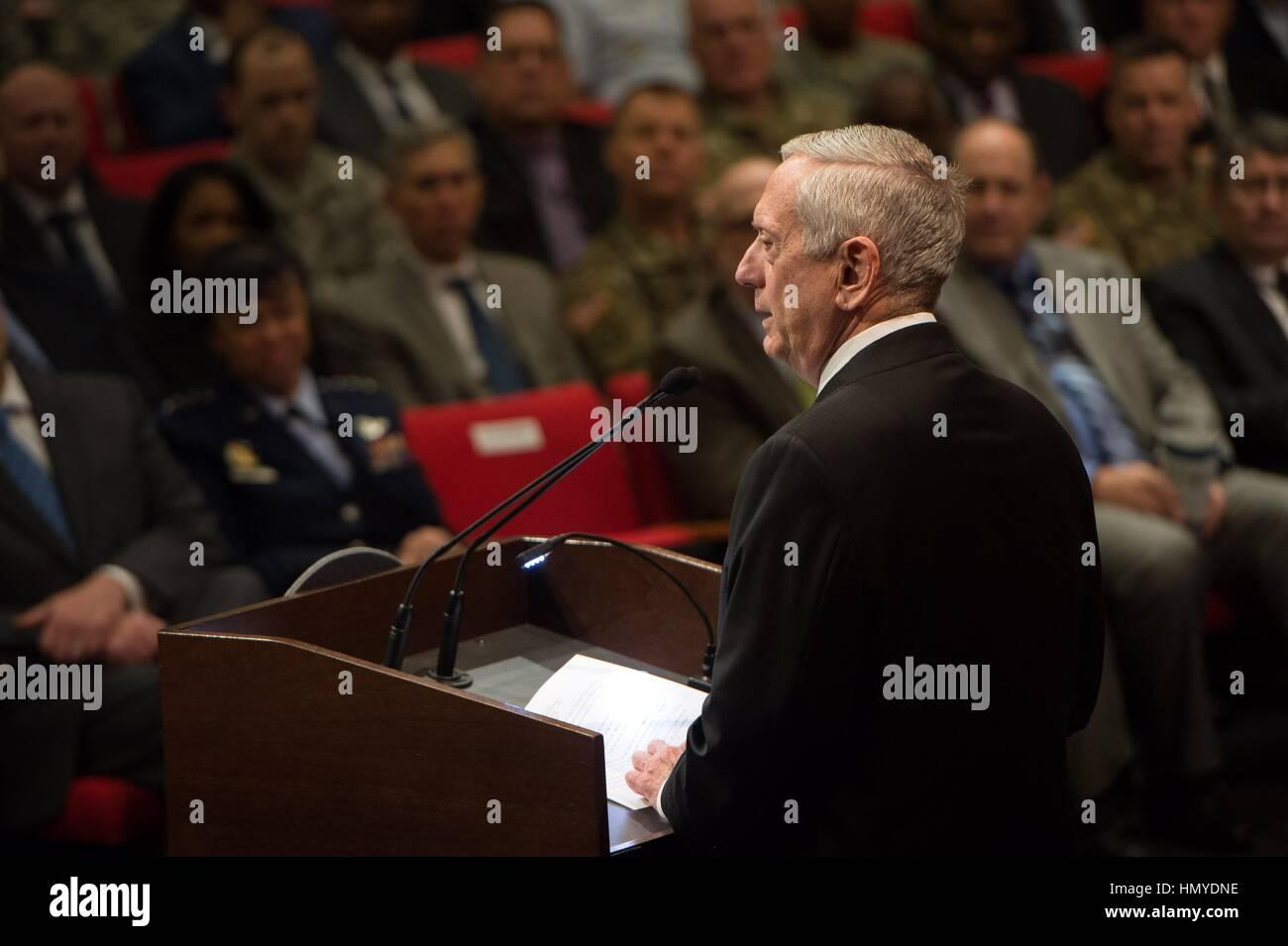 Stati Uniti Il Segretario della Difesa James Mattis parla alla trentatreesima annuale di Dr Martin Luther King Jr. rispetto al Pentagono Auditorium Gennaio 25, 2017 a Washington, DC. Foto Stock