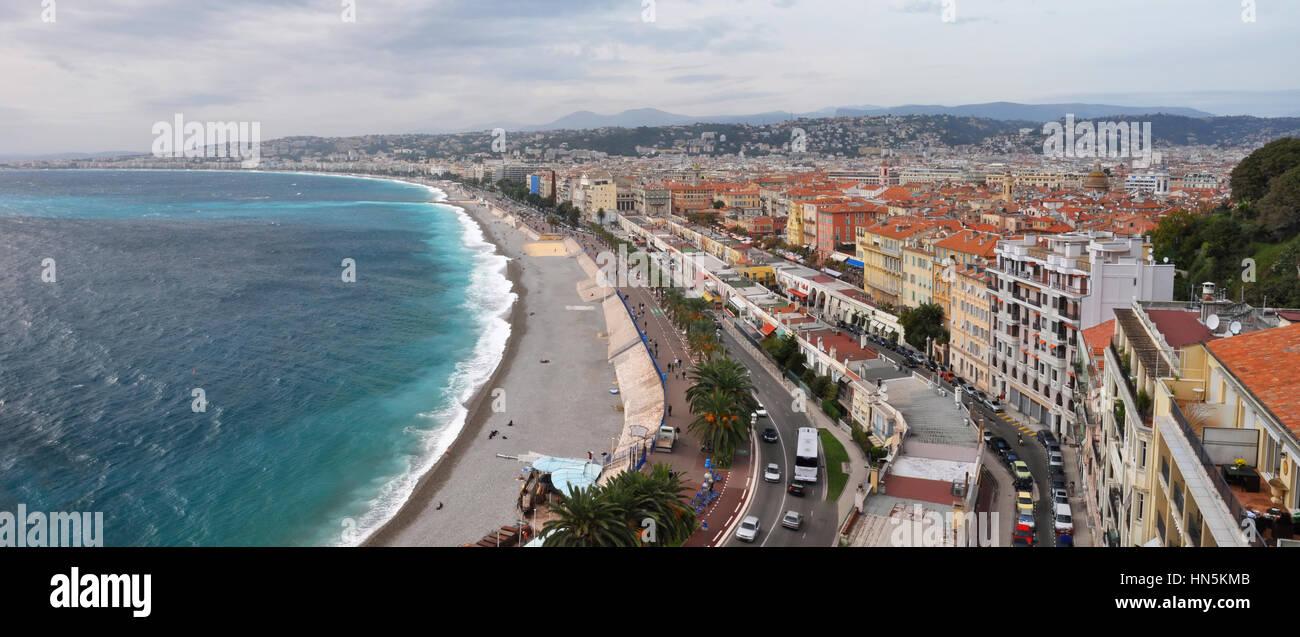 La Promenade des Anglais - probabilmente il migliore del mondo noto sentiero sul mare è stato costruito da Immagini Stock
