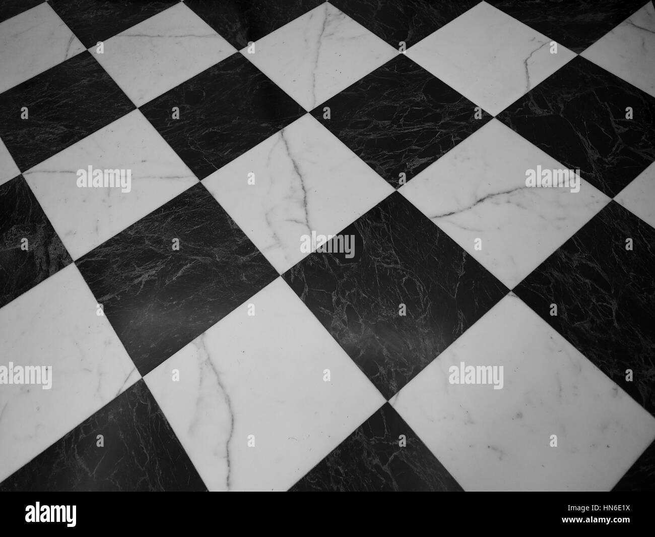 Vintage in marmo bianco e nero pavimento a scacchi utili come uno