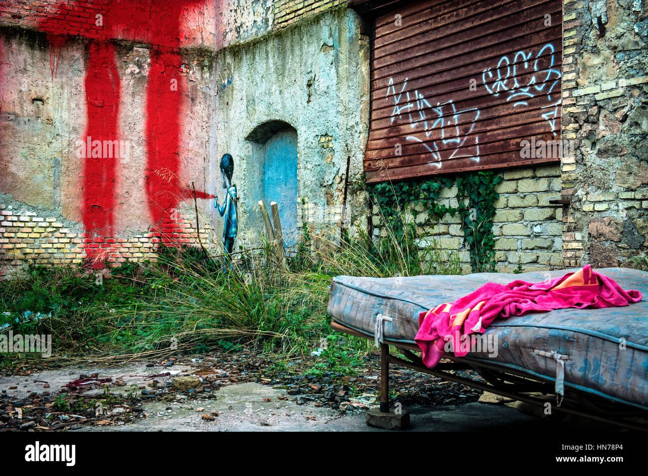 All'angolo nordorientale della zona orientale dell'ex fabbrica di sapone Mira Lanza, il francese di artisti Immagini Stock