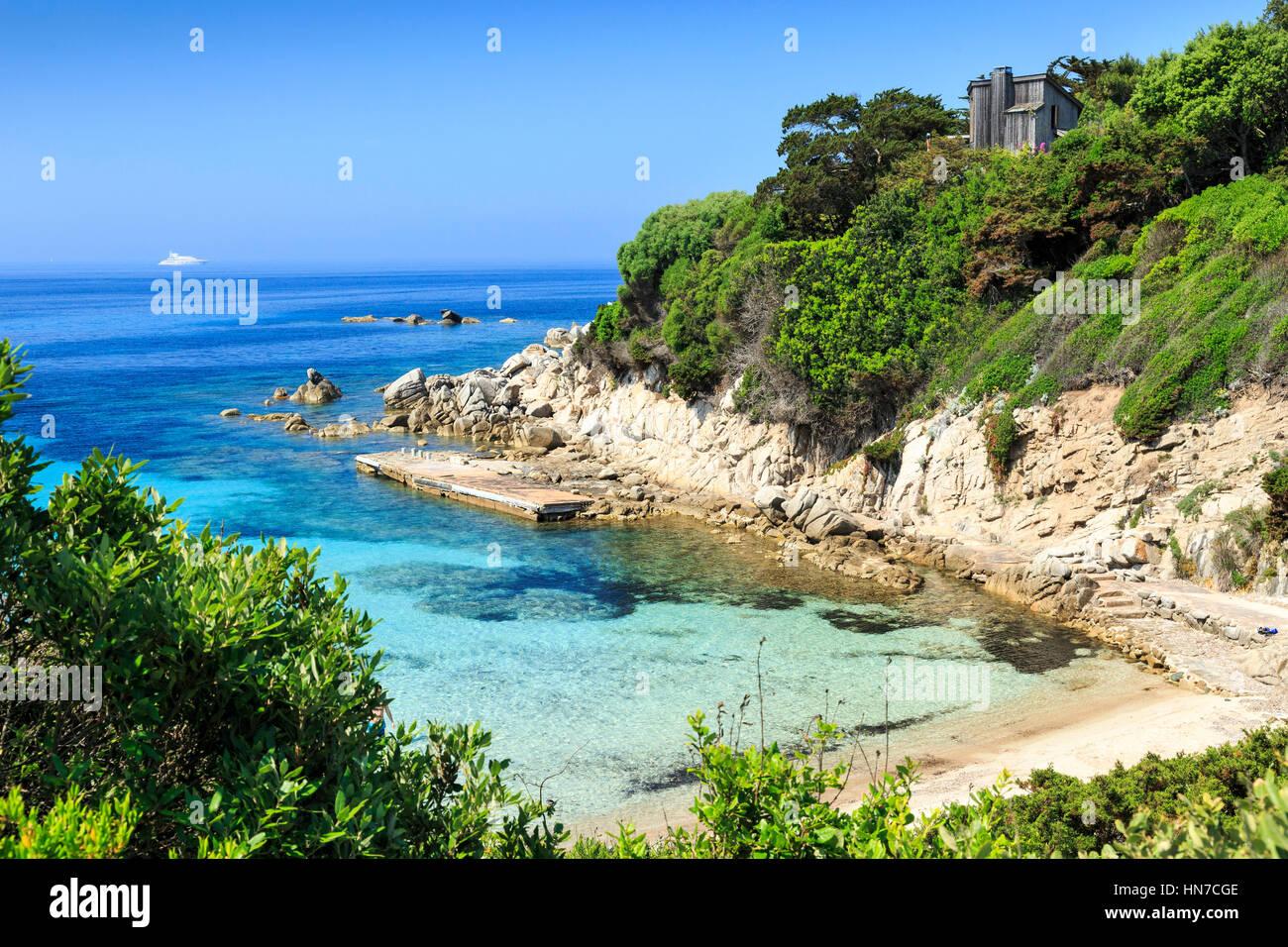Acqua limpida e Spiaggia di Sperone, Corsica, Francia Immagini Stock