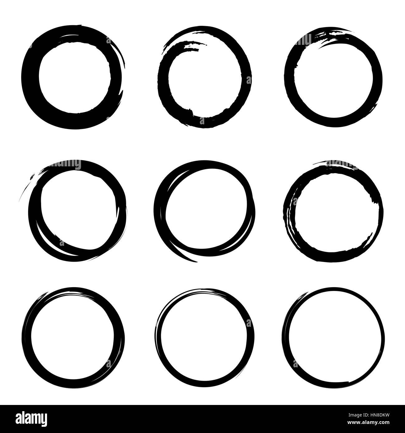 Grunge forma rotonda set di scribble cerchi disegnati a mano doodle schizzo gli elementi di design Immagini Stock