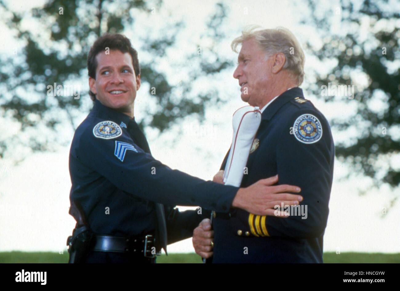 Il 1 gennaio, 1987 - ......Accademia di polizia 4: Citizen di pattuglia, Steve Guttenberg, George Gaynes..Film e Immagini Stock