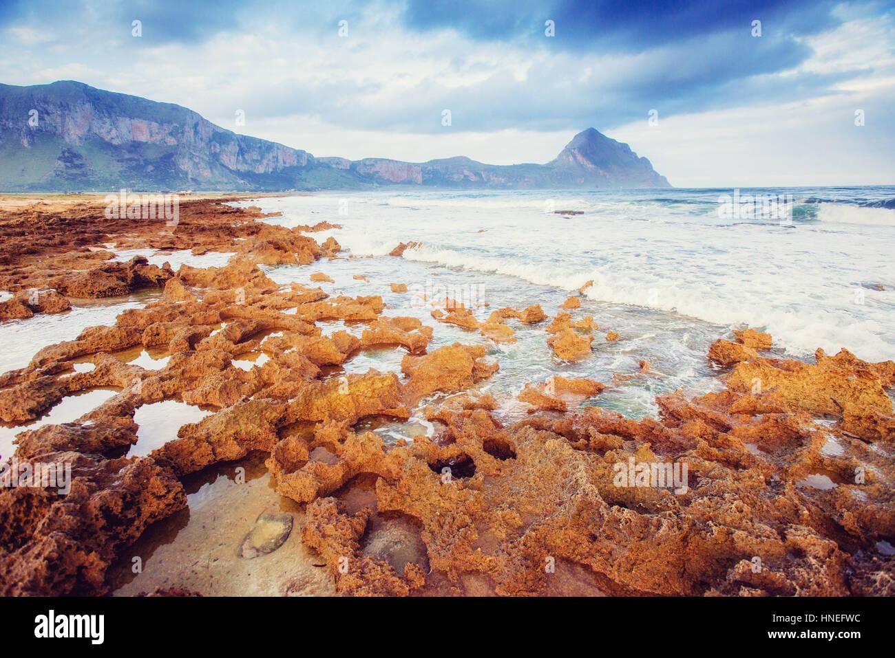 La molla panorama della costa del mare città Trapany. Sicilia, Italia, Europa Immagini Stock
