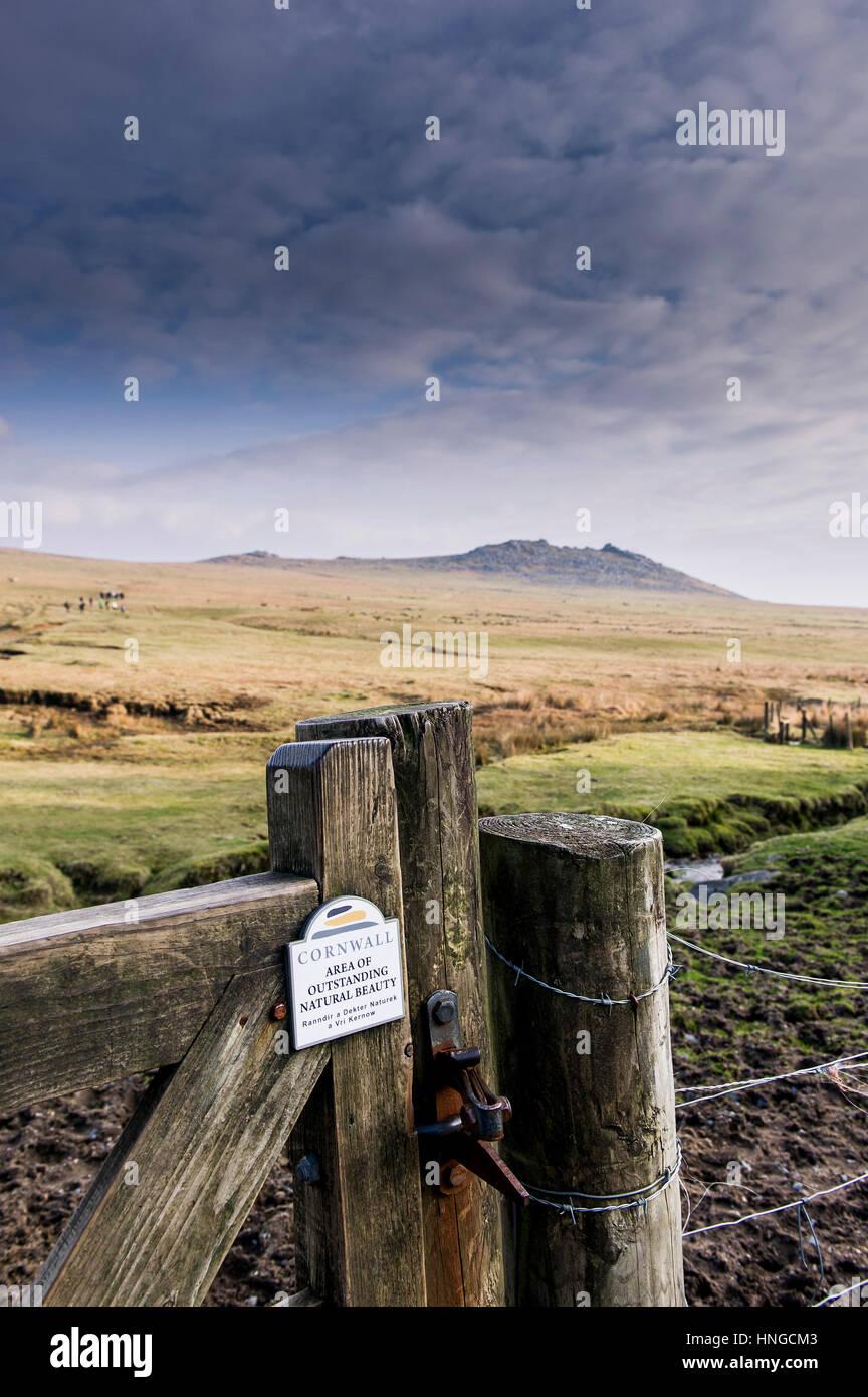 Un cancello a tor ruvida, in una zona di straordinaria bellezza nazionale. Cornwall. Immagini Stock