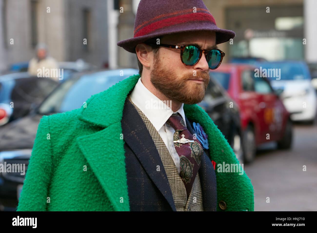 L'uomo con la giacca verde