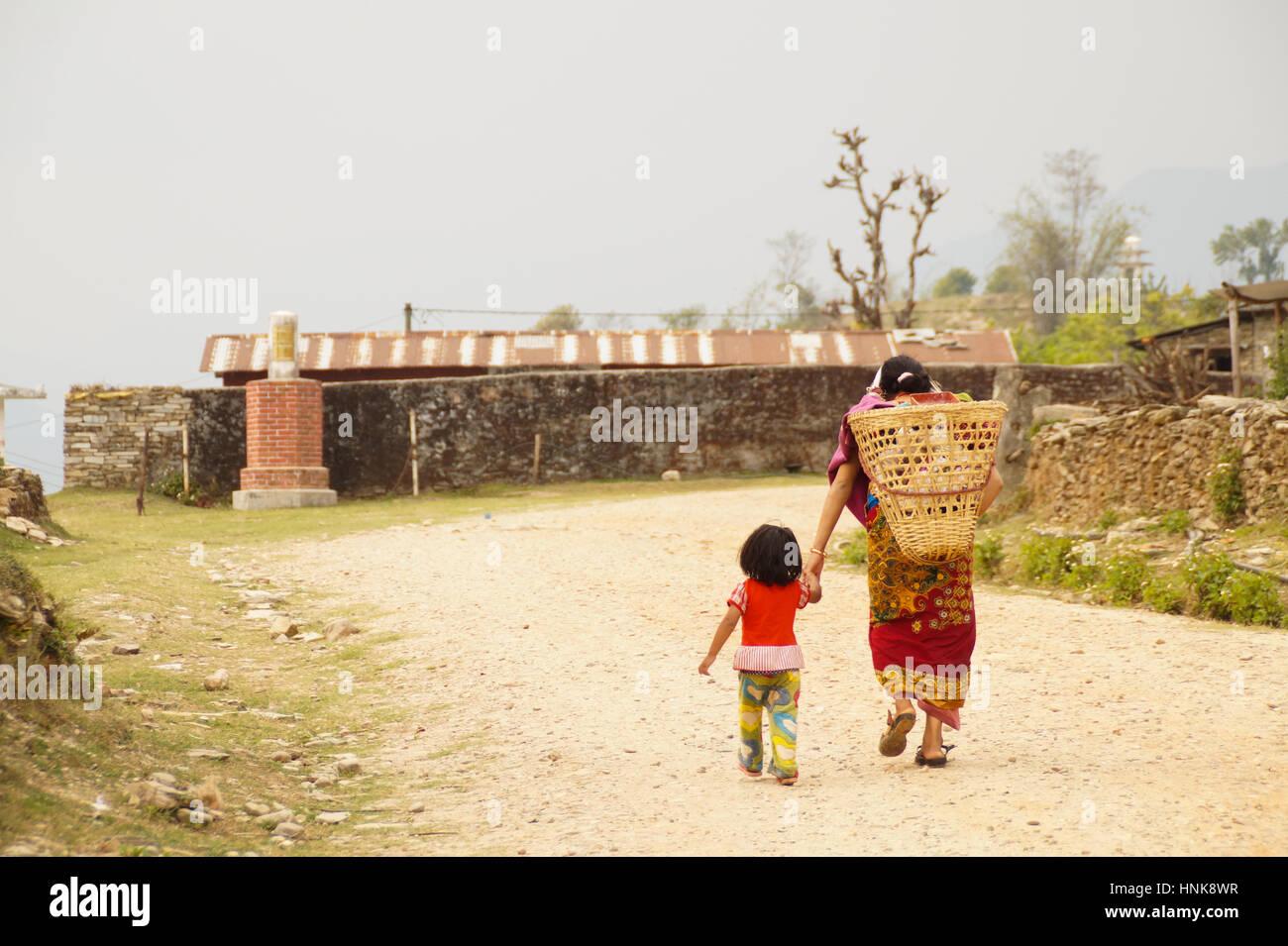 Persone in Nepal, terzo mondo Immagini Stock