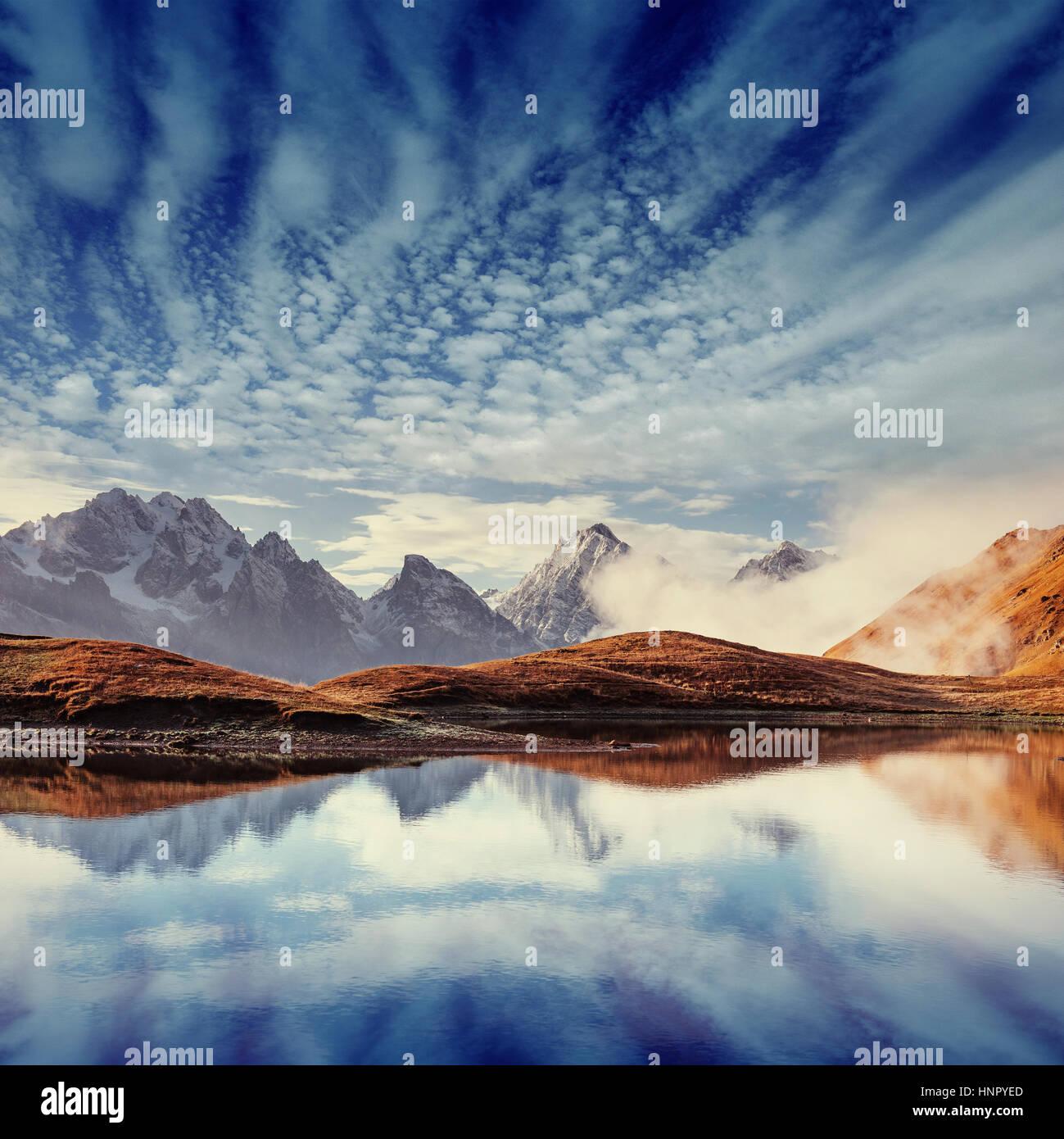 Il pittoresco paesaggio di montagna. Svaneti superiore Immagini Stock